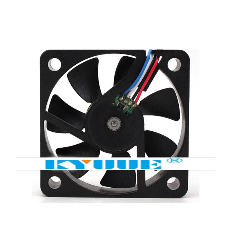 ADDA AD0512HB-G70 CPUファン